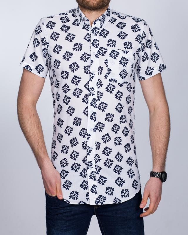 2t Slim Fit Short Sleeve Tall Shirt (white flowers)