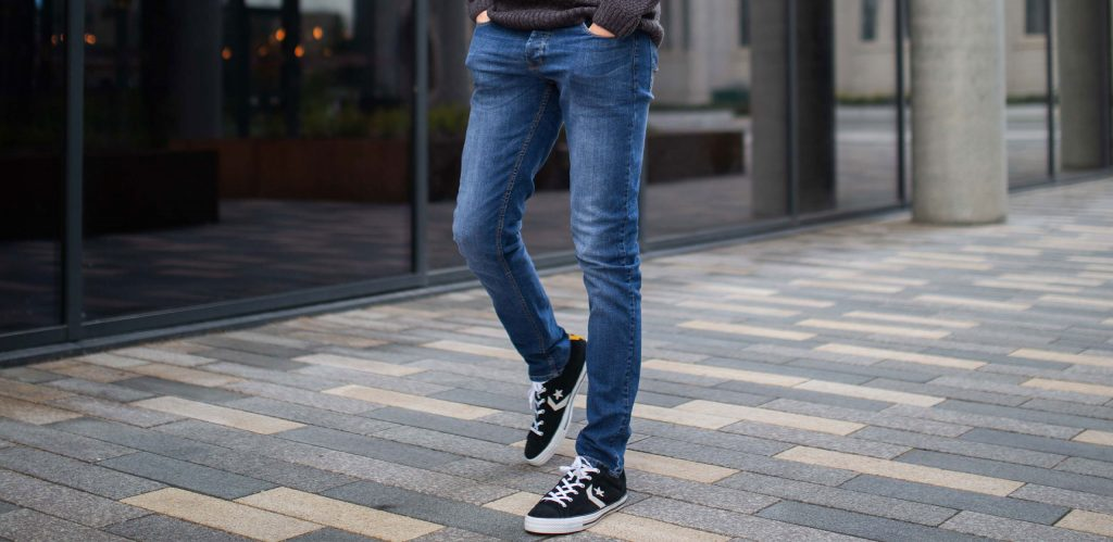 Available in various colours and styles, our extra long skinny fit jeans are the perfect piece to finish off that relaxed, Springtime look.